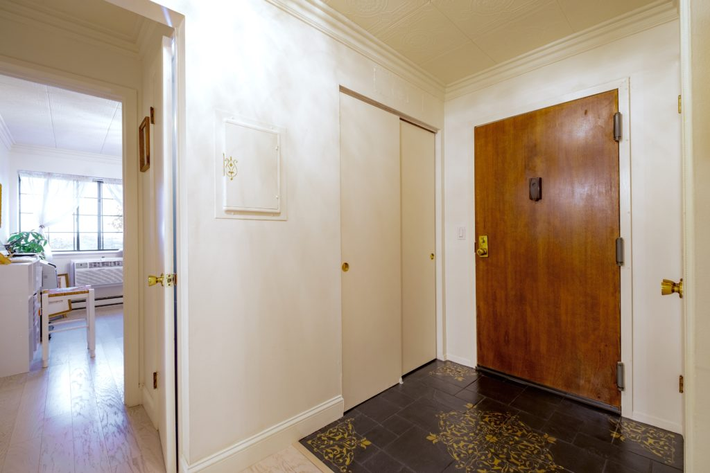 Entrance Foyer CONDO For Sale 187 Flax Hill Drive Norwalk CT