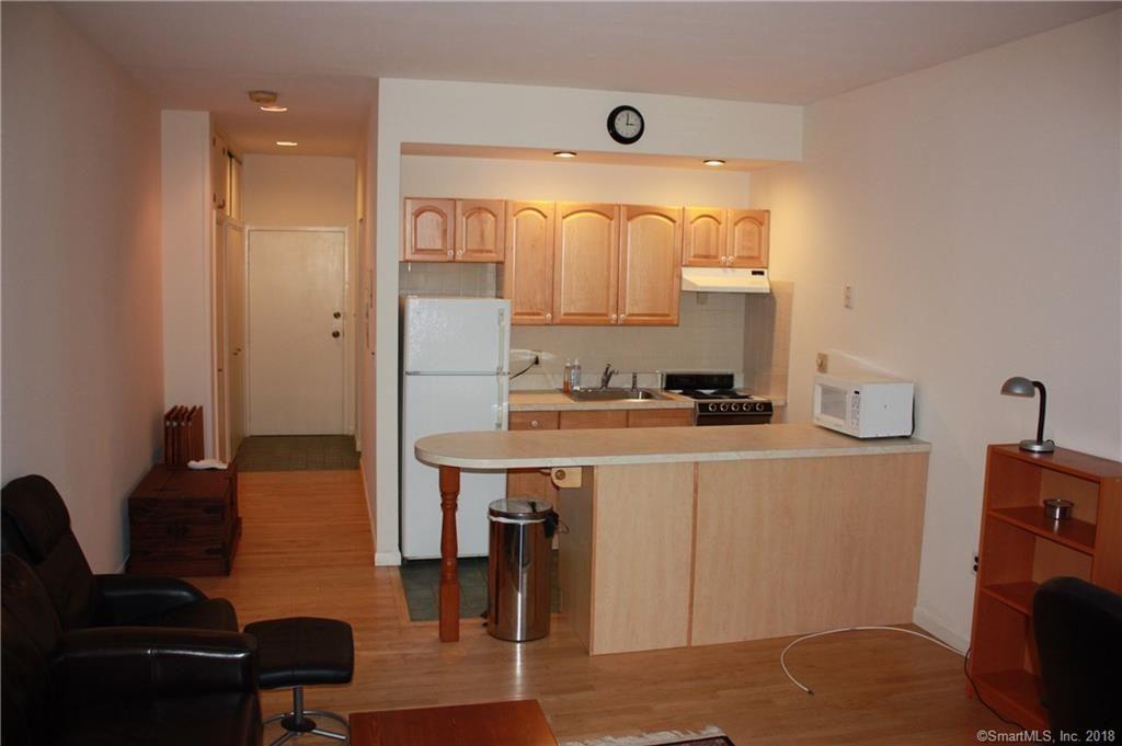 Entry Hall & Kitchen 94 Washington, Norwalk, Connecticut 06854